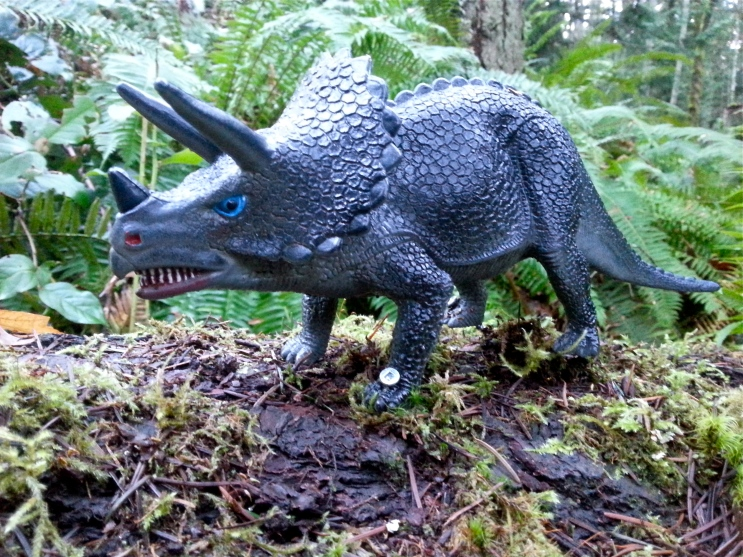 Cable Bay dinosaurs - photo via Kait's Quirks